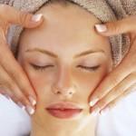 Cách massage da mặt chống lão hóa da cực hiệu quả tại nhà