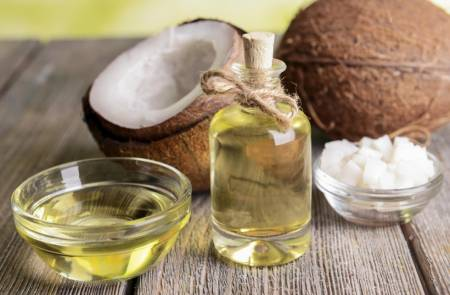 cách massage da mặt với dầu dừa