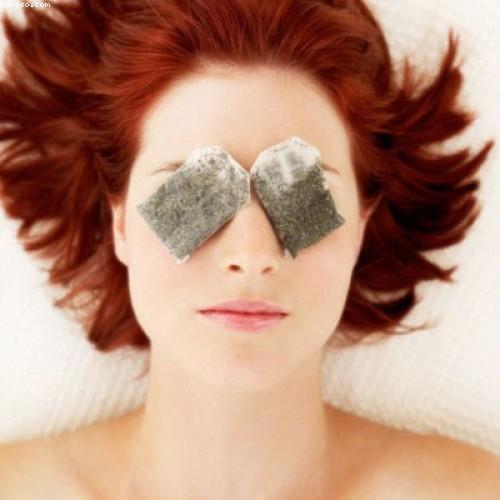 Cách chống nhăn vùng mắt bằng dầu dừa