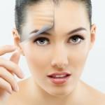 Có nên phẫu thuật căng da mặt bằng chỉ sinh học không Bác sĩ ơi?