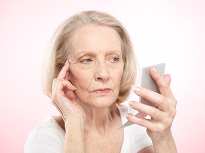 Phẫu thuật căng da mặt bằng chỉ được bao lâu